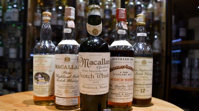 La colección de Macallan del bar suizo