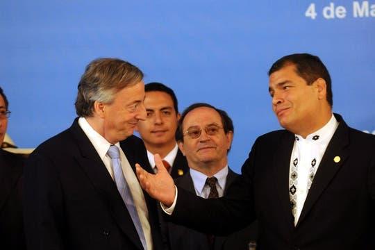 Néstror Kirchner, junto al presidente de Ecuador, Rafael Correa, 4 de mayo de 2010. Foto: DyN