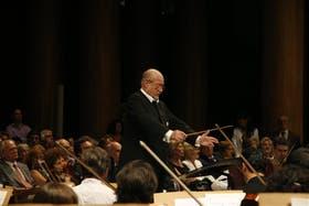 Calderón dirigió a la Sinfónica en el primer concierto del año, aunque la temporada empieza –oficialmente– recién este viernes.