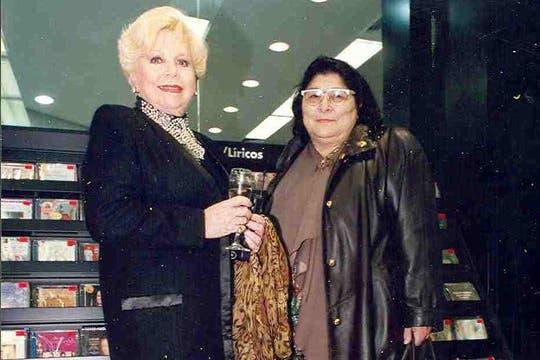 Raval y Mercedes Sosa. Foto: Archivo