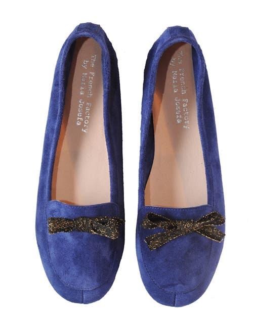 Ballerina azul de nobuk(María Josefa, desde $398).