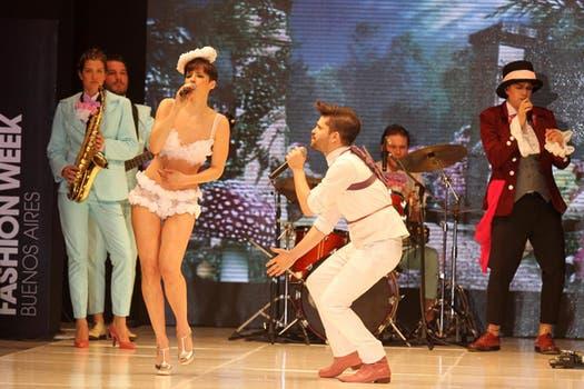 Flor Torrente se sacó la ropa para el show en la BAAM, ¡estaba súper sensual!. Foto: Gerardo Viercovich