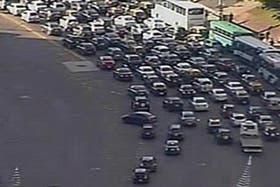 Caos de tránsito por los 17 cortes que hay en la ciudad