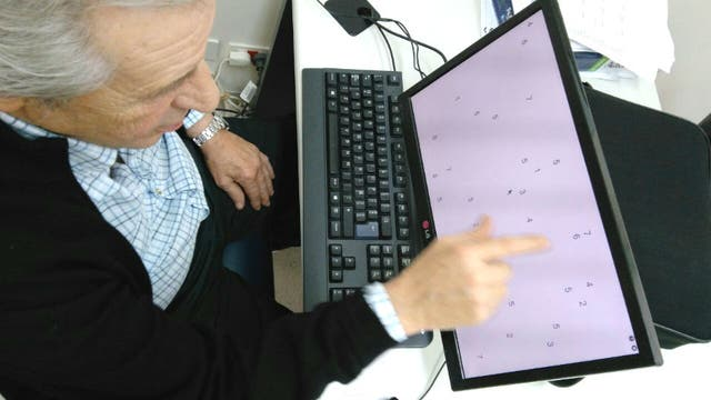 Personas que sufrieron un ACV utilizan sólo el campo visual derecho o izquierdo, dependiendo en qué hemisferio del cerebro sea la lesión