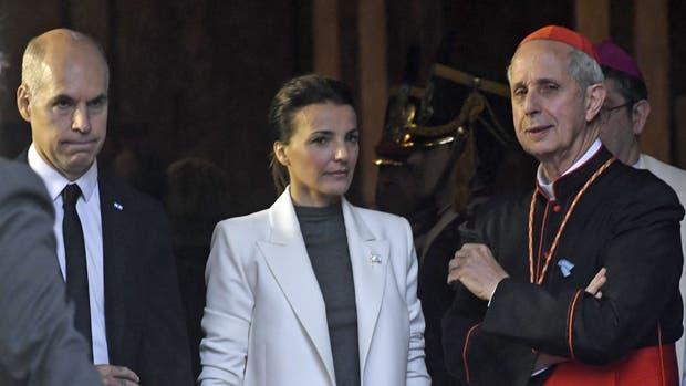 Rodríguez Larreta, al retirarse de la Catedral junto a su mujer