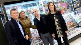 Macri, Larreta y Vidal, junto a una canillita de la estación