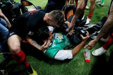 Así quedó Yuri Cortez tras el festejo de los jugadores croatas