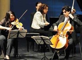 El grupo de cámara israelí, junto a Elena Bashkirova, su directora y pianista
