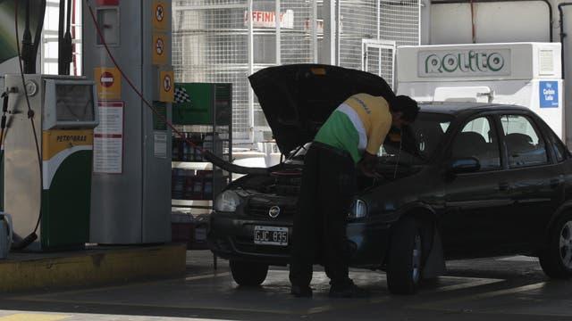 El gas natural comprimido (GNC) tendría fecha de vencimiento