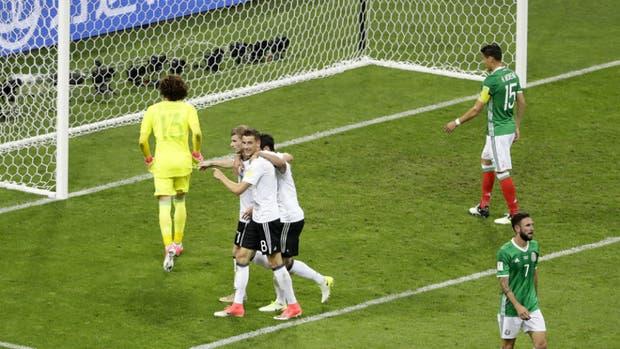 El festejo del tercer gol alemán