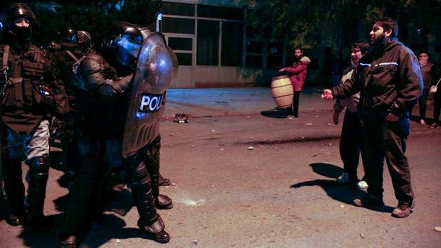 Anoche hubo graves incidentes frente a la casa de la gobernadora Alicia Kirchner