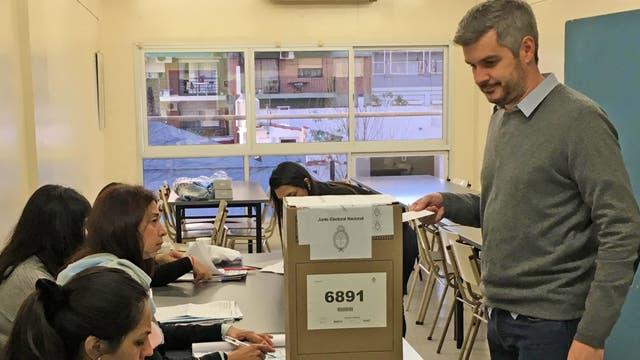 Marcos Peña Voto ésta mañana en la Universidad de Palermo
