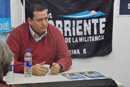 El periodista, en una charla militante en la comuna 6 de la ciudad de Buenos Aires. Foto: Facebook Hernán Brienza