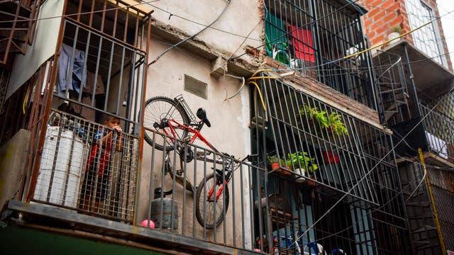 Vista de los apartamentos en la Villa 31 en Buenos Aires, Argentina
