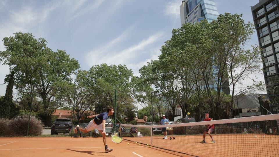 Próximo a cumplir 100 a?os, el Darling Tennis Club da pelea por no perder parte de sus instalaciones