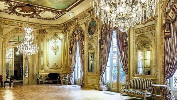 El interior de la Embajada de Francia, en la ciudad