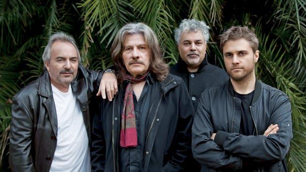 A 18 Minutos, la banda formada hace dos años por ex músicos de Spinetta: Luis Ceravolo, Machi Rufino, Guillermo Arrom y Andrés Beeuwsaert