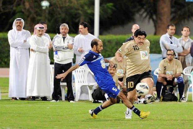 Maradona en un partido que terminó en enojo