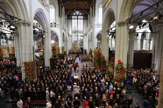 El rey y su corte se dirigen a la Nieuwe Kerk. Foto: AFP
