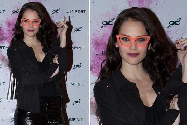 Luz Cipriota pasó por la fiesta Infinit Universe y aprovechó la ocasión para lucir unos anteojos muy llamativos. Foto: Plan A Comunicación
