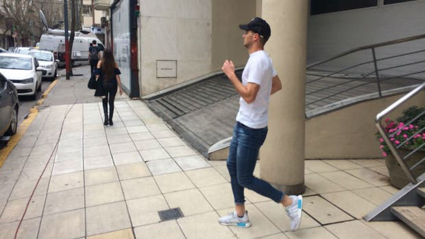 Alario se fue sin hacer declaraciones de la Clínica Rossi