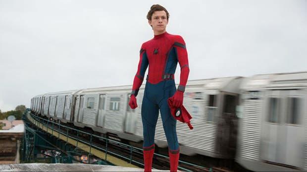 Tom Holland en Spider-Man: De regreso a casa