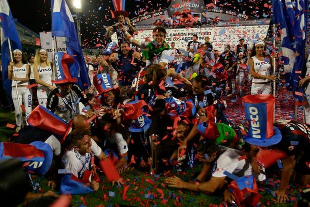 San Lorenzo campeón en la última fecha.  Foto:LA NACION /Fabián Marelli