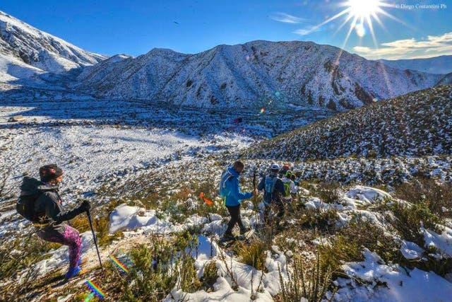 Indomit Mendoza entre el sol y la nieve