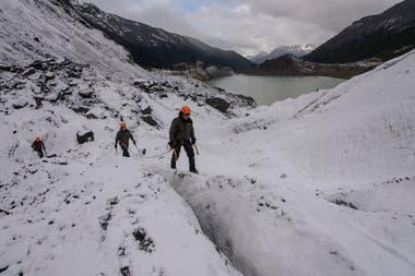 La búsqueda en hielo es una de las más riesgo por la dificultad del terreno.