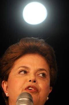 Dilma Rousseff dió una conferencia de prensa luego de conocerse los resultados. Foto: EFE