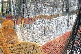 Un equipo de 30 personas tejió las sogas a crochet en el taller de Neto, en Río de Janeiro