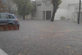 La ciudad de La Plata también se vio afectada por el temporal