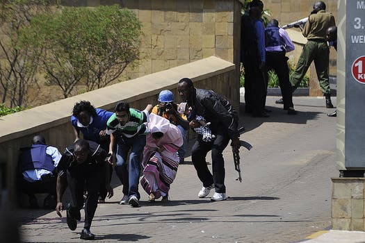 violento ataque shopping centro comercial Nairobi Kenia muertos heridos armas granadas. Foto: AFP