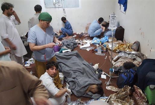 El personal herido en el ataque, al recibir atención en otro hospital de Kunduz