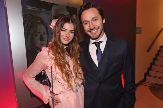 La última vez que los novios posaron juntos fue la semana pasada en Santiago de Chile, durante su paso por la alfombra roja en la presentación del film Los padecientes.