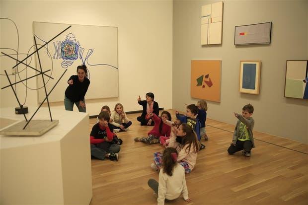 En el Bellas Artes, se aprende a conocer el arte jugando
