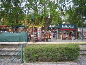 Recorrido: qué comprar en la Feria de Antigüedades del Tren de La Costa