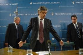 Ayer, Javier de Urquiza, Alberto Fernández y Miguel Peirano anunciaron la suba de las retenciones al agro