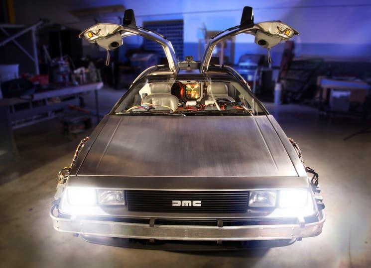 El famoso DeLorean DMC-12 de Volver al Futuro