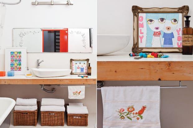 Bachas Blancas Para Baño: de guardado, canastos de mimbre ($260, Seagrass) con toallas blancas