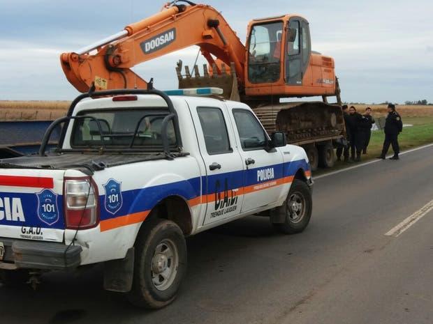 La policía impidió el trabajo de las máquinas sobre la ruta 188