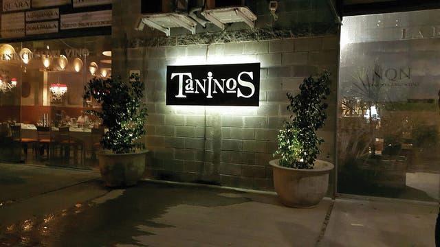 Más de 1500 etiquetas para elegir se ofrecen en Taninos