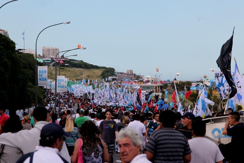 Gran cantidad de gente esperó desde tempano. Foto: LA NACION / Guadalupe Aizaga