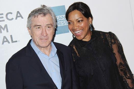 """Enamorados: Robert De Niro, y su mujer, Grace Hightower, fueron al reestreno de """"King of Comedy"""", en Tribeca Film Festival (Nueva York). Foto: EFE"""