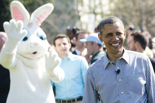 ¿Alguien me explica el conejito detrás de Obama...?.  Foto:AFP