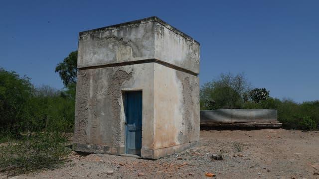 Antigua planta de agua del paraje que ahora está abandonada
