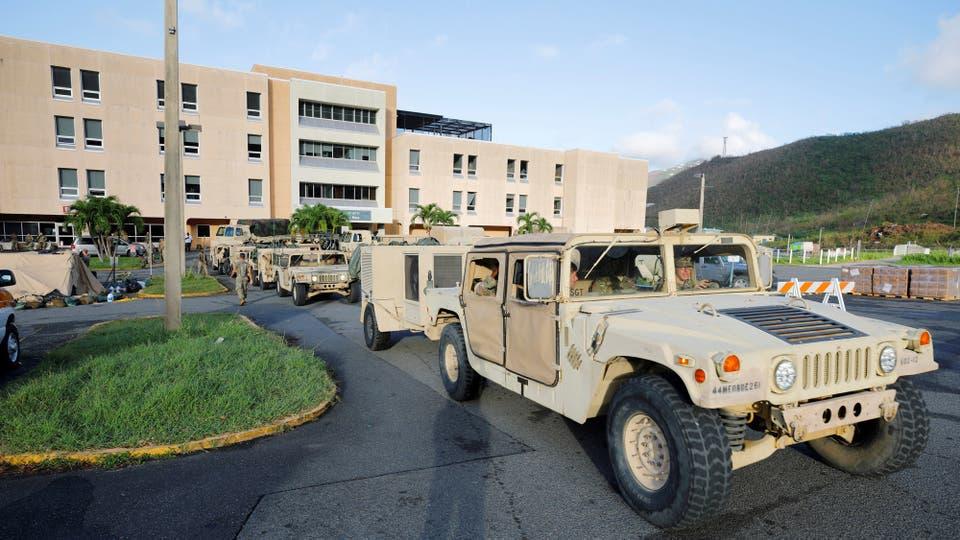 Los soldados recorren el área. Foto: Reuters / Jonathan Drake