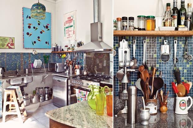 Una cocina que incorpora muebles antiguos - Living - ESPACIO LIVING