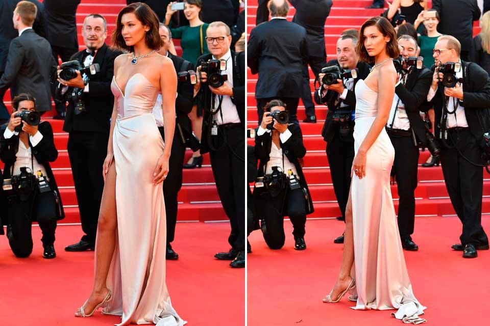Bella Hadid impactó en Cannes con este vestido estilo años 50 firmado por Alexander Vauthier y sandalias de Olgana Paris.