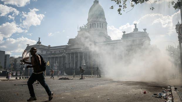 Movimientos sociales volverán a movilizarse al Congreso — Reforma previsional